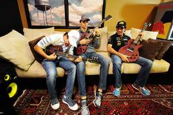 (De izquierda a derecha): Felipe Massa, Williams con Esteban Gutiérrez, Sauber y Sergio Pérez, Sahara Force India F1 en el Foro de Aficionados