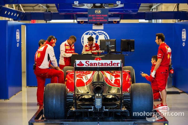 Ferrari F14-T in scrutineering