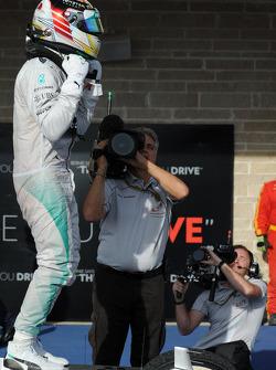 Vencedor da corrida Lewis Hamilton