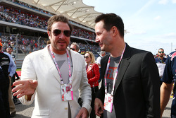 (Soldan Sağa): Simon Le Bon, Duran Duran lider Şarkıcı ve  Keanu Reeves, Aktör gridde