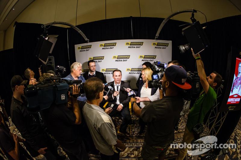 Şampiyona yarışmacıları Basın konferansı: Kevin Harvick, Stewart-Haas Racing Chevrolet