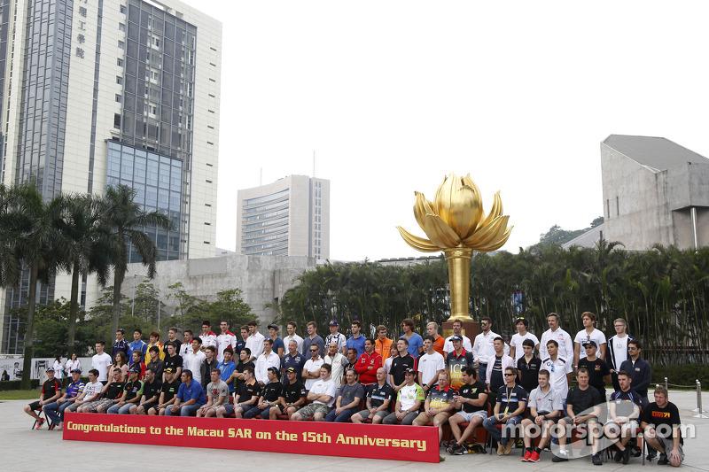Foto di gruppo: tutti i driver F3, WTCC e Moto a Macau