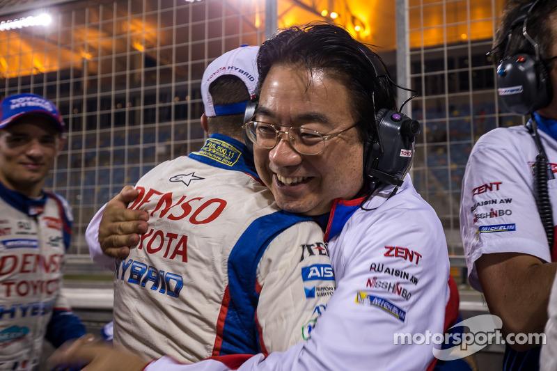 El presidente del Toyota Racing team, yoshiaki Kenoshita celebra el campeonato de WEC 2014 y la vict