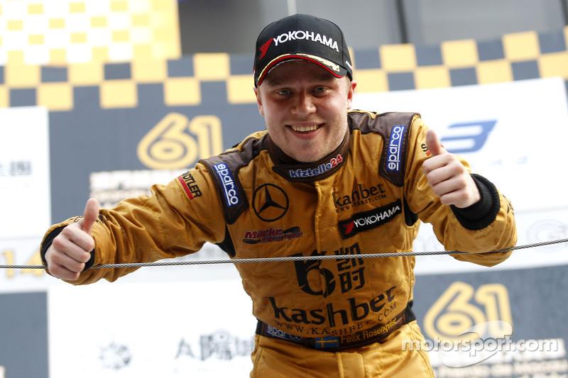 El ganador  Felix Rosenqvist, Kashbet.com de  Mücke Motorsport Dallara F312 Mercedes-HWA