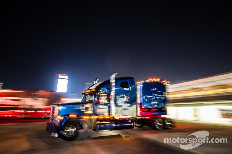 Tır: Jimmie Johnson, Hendrick Motorsports Chevrolet