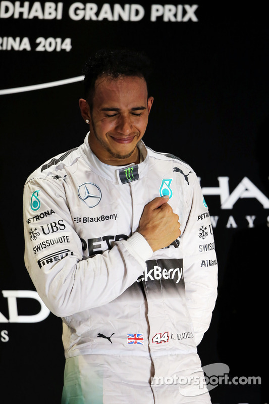 Vencedor da corrida e campeão do mundo Lewis Hamilton, Mercedes AMG F1 celebra no pódio