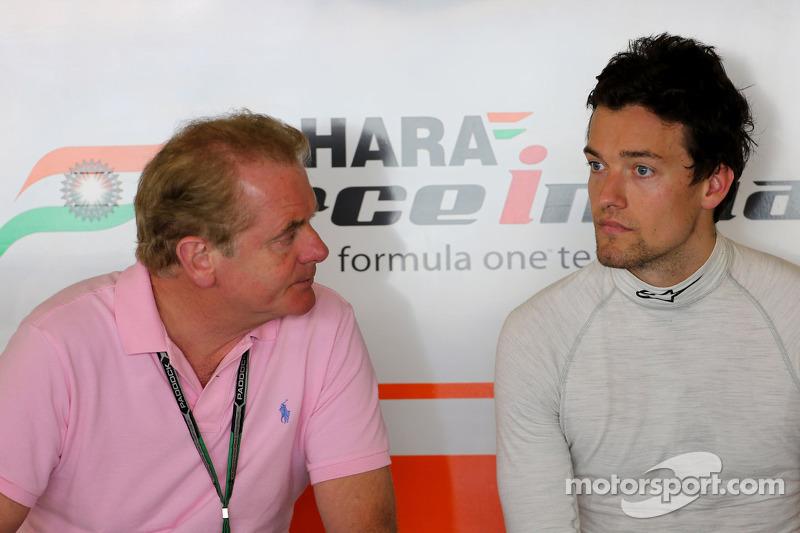 印度力量F1车队的乔利恩·帕尔默和父亲乔纳森