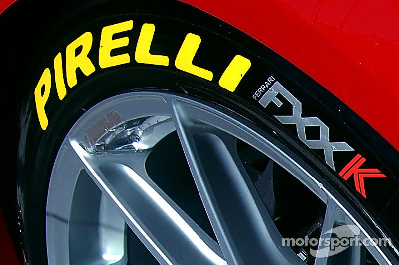 Pirelli, detalle de llanta en un Ferrari FXX K