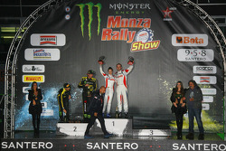 Podium: winners Robert Kubica and Alessandra Benedetti, second place Valentino Rossi and Carlo Cassina
