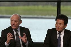 Yasuhisa Arai, Honda-Motorsportchef; Ron Dennis, McLaren