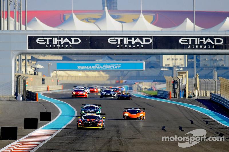 #1 阿布扎比车队 Black Falcon 梅赛德斯 SLS AMG GT3: 卡勒德·阿尔库拜西, 杰伦·布勒克莫伦, 伯纳德·施奈德