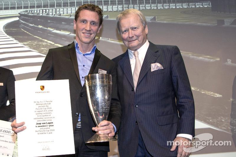 Vincitore del Porsche Cup 2014: Jaap van Lagen con Wolfgang Porsche