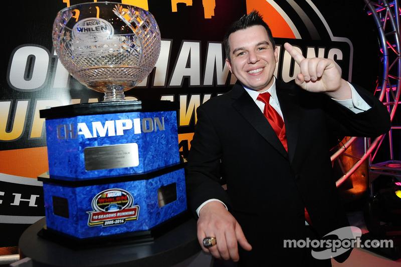 El campeón de NASauto Soudern Modified Tour, Andy Seuss