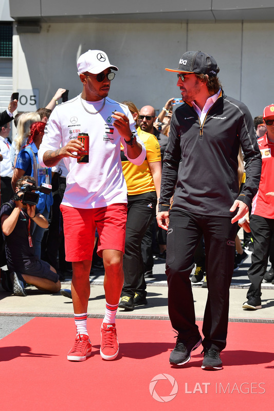 Lewis Hamilton, Mercedes-AMG F1 and Fernando Alonso, McLaren on the drivers parade