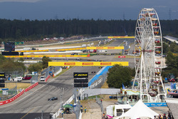 Valtteri Bottas, Mercedes AMG F1 W09, leads Kimi Raikkonen, Ferrari SF71H, Max Verstappen, Red Bull Racing RB14, at the start