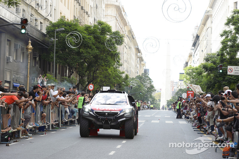 Peugeot at the ceremonial start