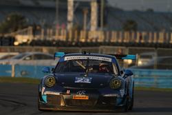 #23 Team Seattle/Alex Job Racing Porsche 911 GT America: Ян Джеймс, Маріо Фамбахер, Alex Riberas