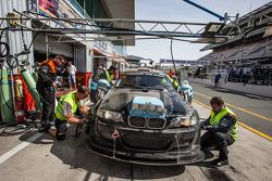 Boxenstopp für #78 JR Motorsport, BMW E46 GTR: Harry Hilders, Gijs Bessem, Daan Meijer, Roger Grouwels