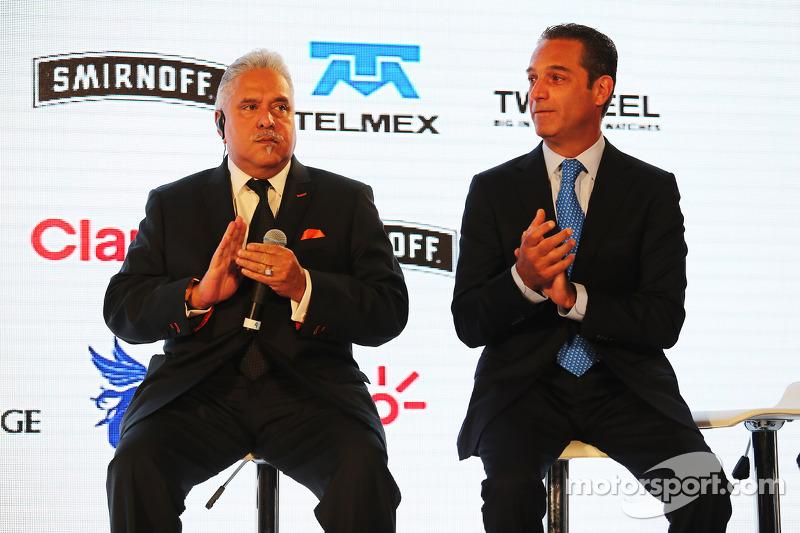 (da sinistra a destra): Dr. Vijay Mallya,titolare della Sahara Force India F1 Team con Carlos Slim, Presidente della America Movil