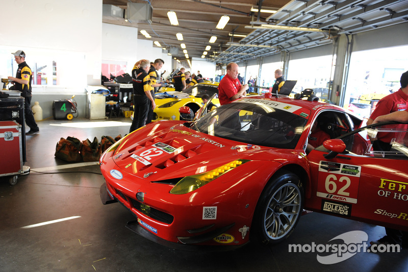 #62 Risi Competizione 法拉利F458: Pierre Kaffer, Davide Rigon, 吉安卡罗·费斯切拉, Olivier Beretta