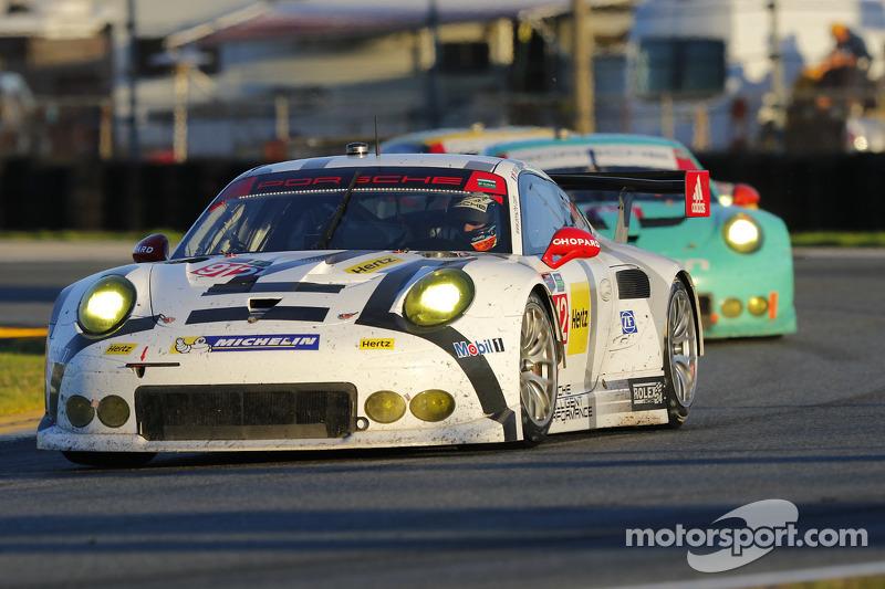 #912 Porsche North America, Porsche 911 RSR: Jörg Bergmeister, Earl Bamber, Frederic Makowiecki