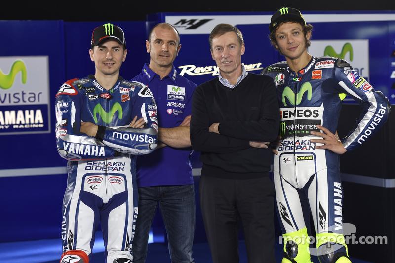 Lin Jarvis und Massimo Meregalli mit Jorge Lorenzo und Valentino Rossi