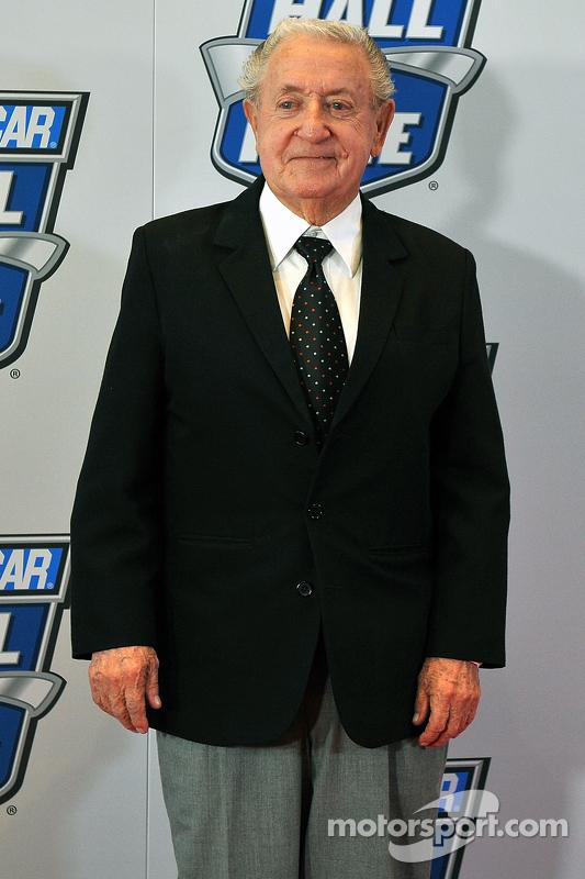 Зал Слави NASCAR: Рекс Вайт