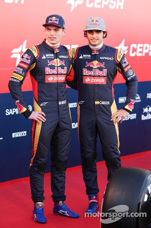 (E para D): Max Verstappen, Scuderia Toro Rosso com o companheiro de equipe Carlos Sainz Jr., Scuder