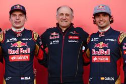 (L to R): Max Verstappen, Scuderia Toro Rosso con Franz Tost, Jefed de Scuderia Toro Rosso Team y Carlos Sainz Jr., Scuderia Toro Rosso