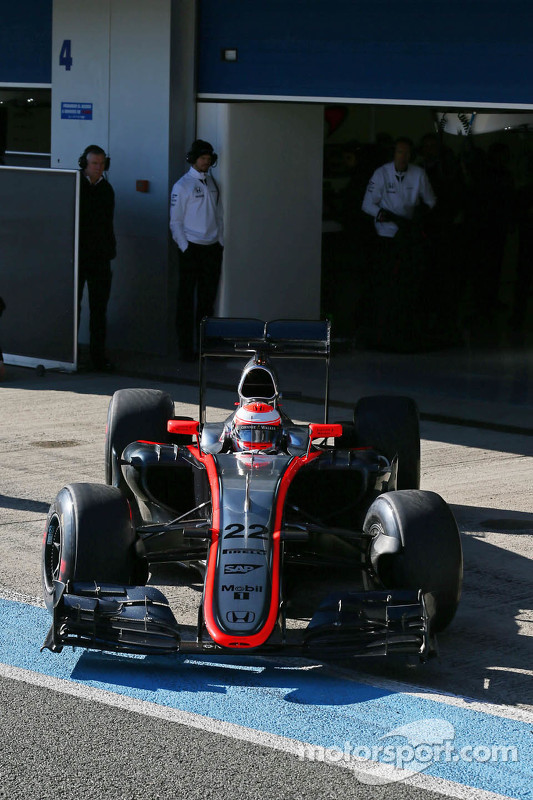 Jenson Button, McLaren MP4-30, verlässt die Box