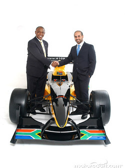Mr Tokyo Sexwale (RSA), the South African franchise partner, with His Highness Sheikh Maktoum Hasher Maktoum Al Maktoum (UAE), CEO and President of A1 Grand Prix, and the South African liveried Lola A1 Grand Prix car