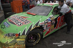 Interstate Batteries Chevrolet crew goes to pre-race technical inspection line