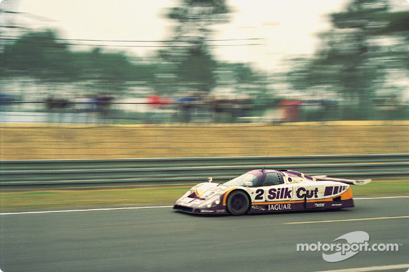 Silk Cut Jaguar Jaguar XJR-9 : Jan Lammers, Johnny Dumfries, Andy Wallace