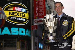 Kurt Busch holds the Nextel Cup in Times Square