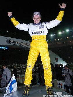 Final 1: winner Heikki Kovalainen celebrates