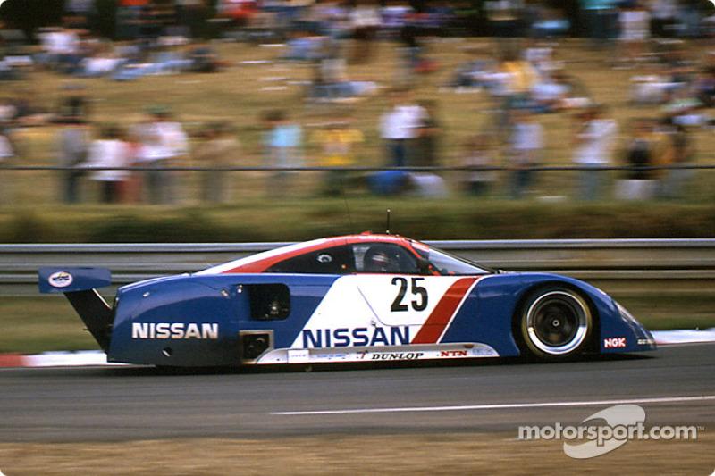 Nissan Motorsport Nissan R89C : Geoff Brabham, Chip Robinson, Arie Luyendyk