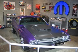 Mopar garage display