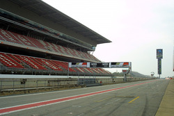 Along pit straight