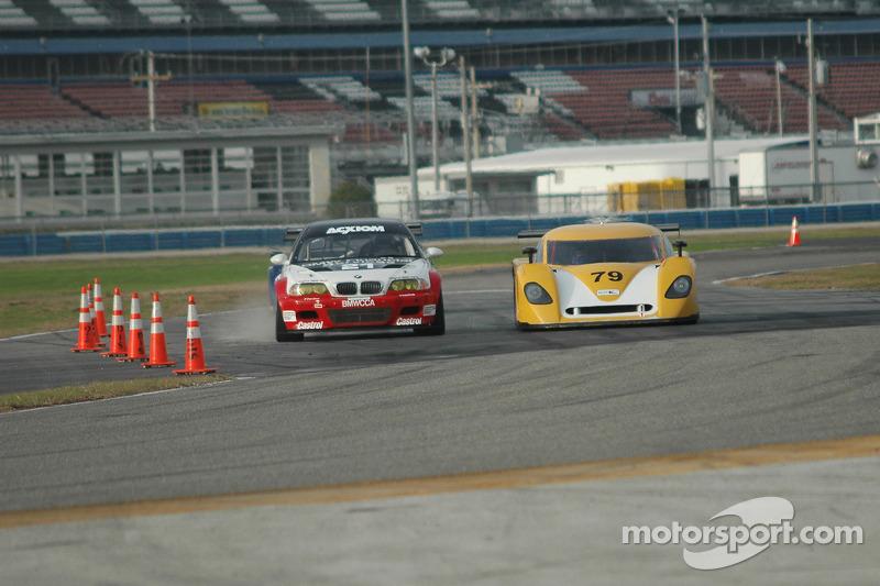 Prototype Technology Group BMW M3 : Chris Gleason, Ian James, Bill Auberlen, Joey Hand; Newman Racing/ Silverstone Racing Ford Crawford : Paul Newman, Michael Brockman