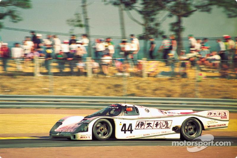 #44 Richard Lloyd Racing porsche 962C: John Watson, Bruno Giacomelli, Allen Berg
