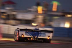 La Lola EX257 AER n°16 Dyson Racing Team : James Weaver, Butch Leitzinger, Andy Wallace