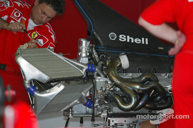 Motor Ferrari F2005