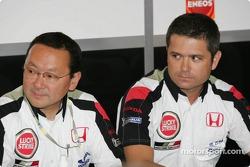 Honda Racing Development President Yashurio Wada and Gil de Ferran