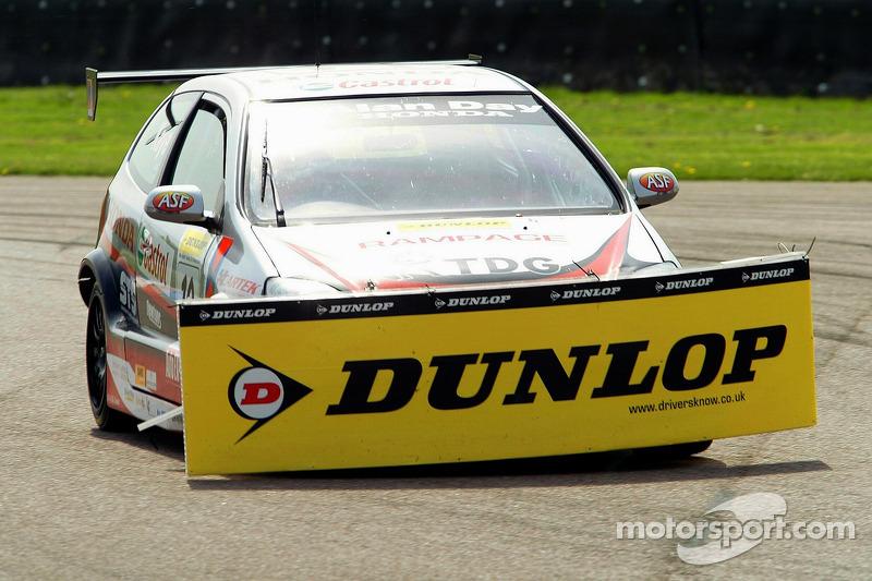 #10 Synchro Motorsport Honda Civic, James Kaye