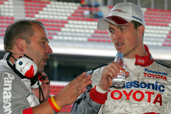Ralf Schumacher with Mike Gascoyne