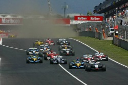 Start: Kimi Raikkonen leads the field