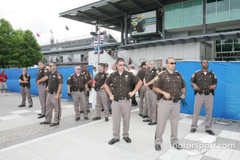 Fuerzas policiales en la Guardia