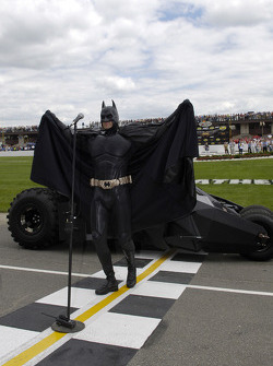 Batman himself gives the command to start the engines for the Batman Begins 400