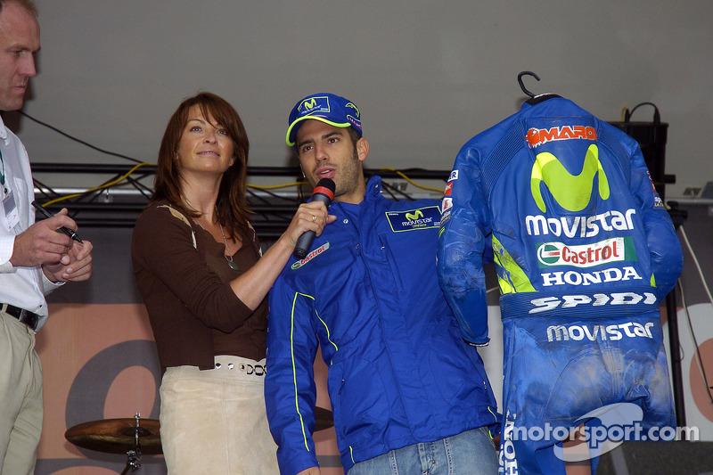 Marco Melandri en una aparición pública