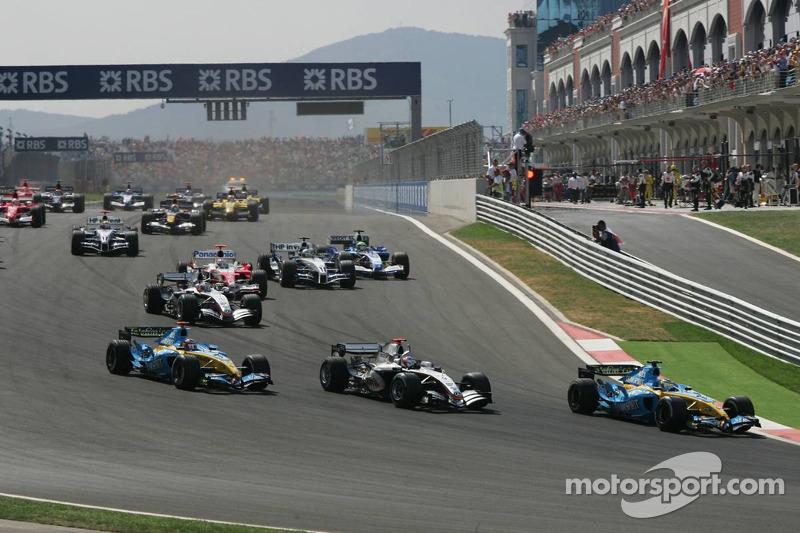 Start: Giancarlo Fisichella liderliği Kimi Raikkonen ve Fernando Alonso'dan geri alıyor